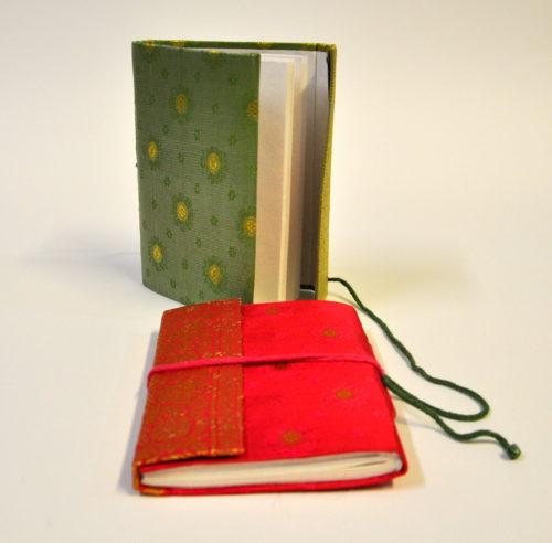 Sari notebook medium